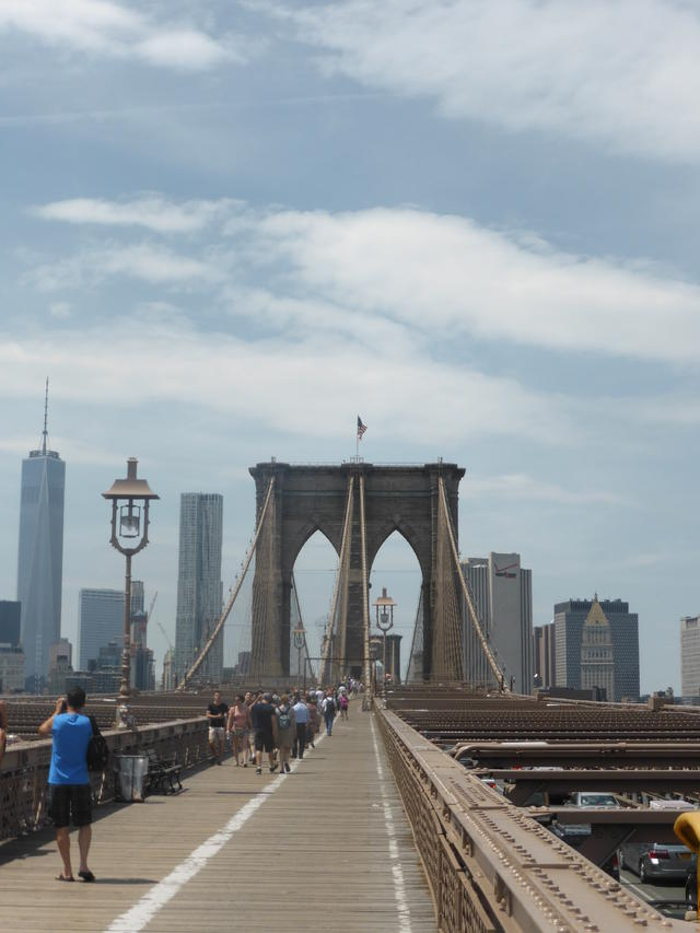 2. Walk across the Brooklyn Bridge